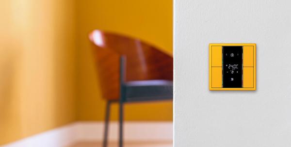 Jung knx kompakt raumcontroller f 50 plus x award und for Design und funktion
